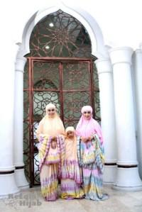 Mukena Jumputan tie dye pelangi ibu dan anak